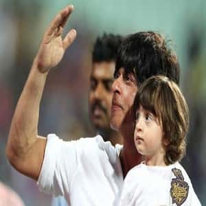 Shahrukh Khan with his younger son Abram Khan
