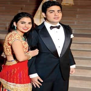 Akash Ambani with his Sister Isha Ambani
