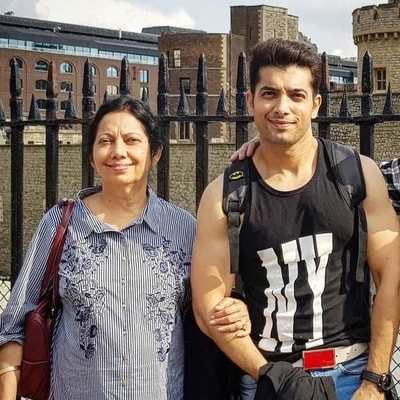 Sharad Malhotra With His Mother