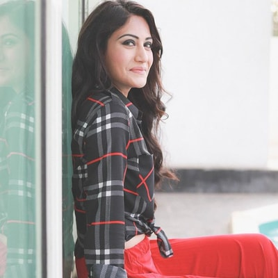 Surbhi Chandna Biography, Family, Husband, Tv Shows, Career or More