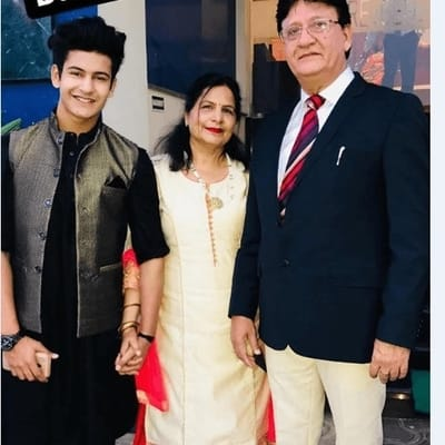 Manjul Khattar Family, Biography, Wife, Tv shows, Career, Wiki or More