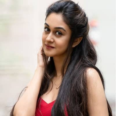 Aishwarya Arjun Movies, Biography, Husband, Family, Career & More