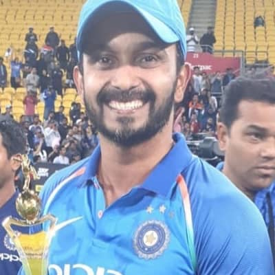 Kedar Jadhav Career, Biography, Wife, Family, Wiki, Age, Stats or More