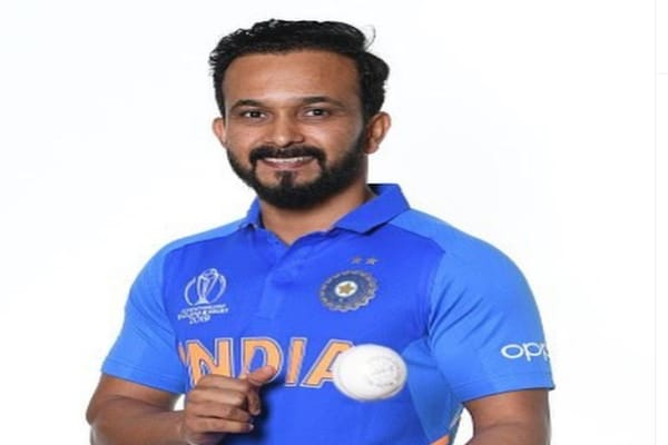 Kedar Jadhav Wiki, Biography, Wife, Career, Family, Age, Stats or More