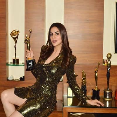 Shraddha Arya Awards, Biography, Boyfriend, TV Shows, Movies or More