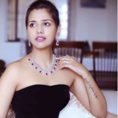 Dalljiet Kaur TV Shows, Biography, Husband, Family, Career & More