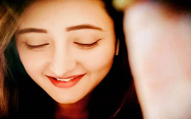 Rashami Desai Biography, Family, Husband, TV Shows, Movies & More