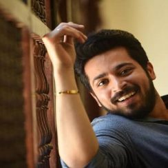 Harish Kalyan Biography, Family, Girlfriend, Movies, TV Shows & More