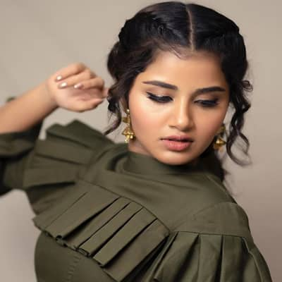 Anupama Parameswaran Movies, Biography, Boyfriend, Family, Age & More