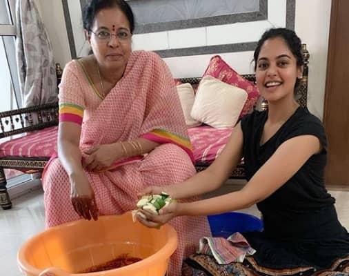 Bindu Madhavi Wiki, Family, Boyfriend, Movies, Career & More