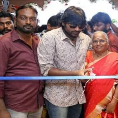 Vijay Sethupathi Family, Biography, Wife, Movies, Awards, Wiki & More