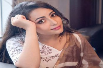 Aanchal Munjal Biography, Family, Boyfriend, TV Shows, Movies & More