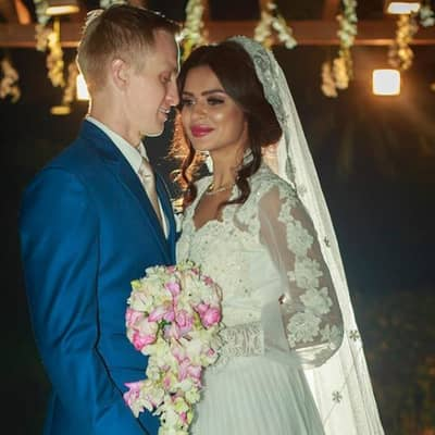 Aashka Goradia Husband, Biography, Family, Career, TV Shows & More