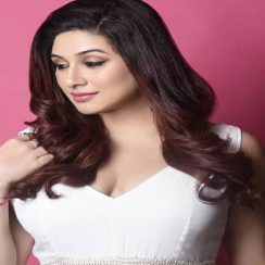 Vahbiz Dorabjee Biography, Family, Husband, TV Shows, Career & More