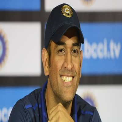 Mahendra Singh Dhoni Records, Wiki, Wife, Career, IPL, Gf, Family & More