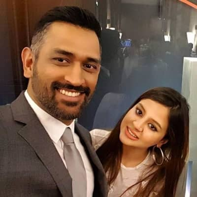 Mahendra Singh Dhoni Wife, Wiki, Family, Career, IPL, Gf, Record & More