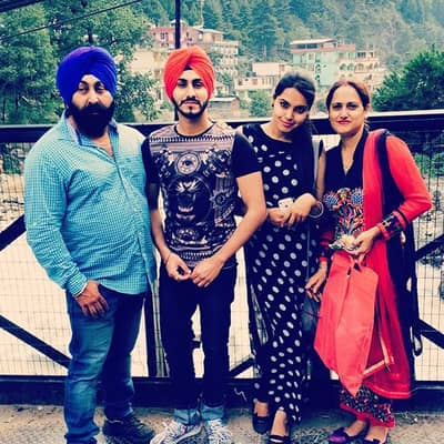 Rohanpreet Singh Family, Biography, Girlfriend, TV Shows, Songs & More