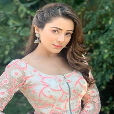 Hiba Nawab TV Shows, Biography, Boyfriend, Family, Career & More