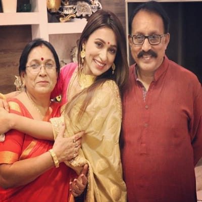 Mimi Chakraborty Family, Biography, Boyfriend, Movies, Politics and More