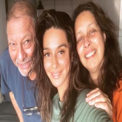 Shibani Dandekar Family, Biography, Boyfriend, Career, Facts & More