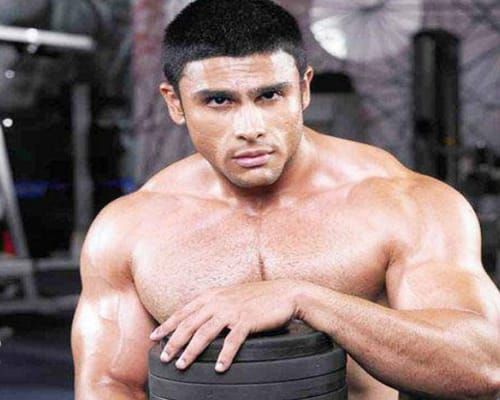 Rahul Bhatt Biography, Family, Career, Girlfriend, Facts, Age & More