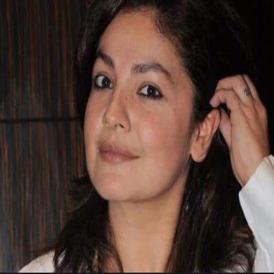Pooja Bhatt Career, Biography, Husband, Family, Controversy & More