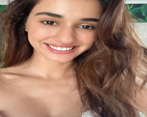 Disha Patani Biography, Family, Boyfriend, Career, Wiki, Facts & More