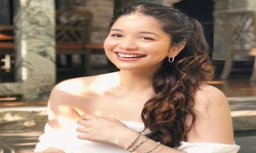 Sara Tendulkar Biography, Family, Boyfriend, Career, Wiki, Facts & More